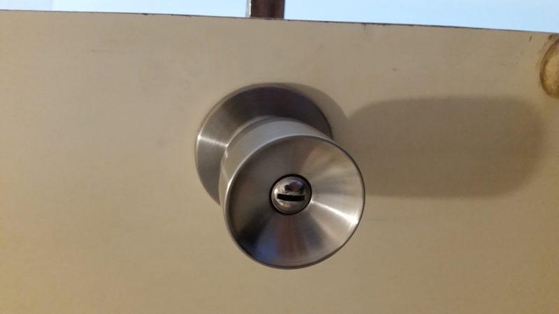 トイレ錠のカギ交換作業