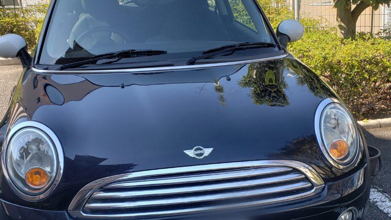 BMW ミニのカギ開け作業